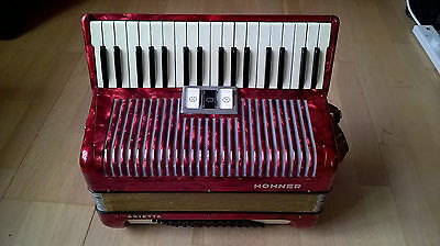 Piano Accordion - Hohner Arietta  - 72 bass