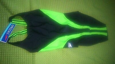 Maillot.de Bains. Speedo. Neuf. .dos Nageur.dispose.taille.12Ans.