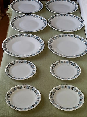 """Pyrex """"chelsea"""" 10"""" dinner plates x 6 +  6.5"""" side plates x 4"""