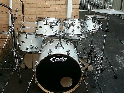 PDP X7 (by DW) 7 piece all maple drum kit