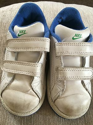 Boys Leather Training shoes size 7 Gd Cond