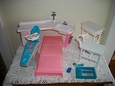 Barbie Furniture 1970s Miscellaneous Lot  Bed Kitchen Cart Dentist