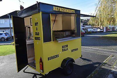 Recently refurbished 6ft x 5ft catering trailer, complete with 3kw generator.