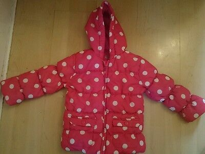 Girls Lovely and Warm Winter Pink Spotty Coat excellent condition Age 3-4