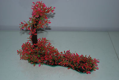Aquarium Realistic Plastic Plant 7 x 25 x 23 cms On Flat Base Red & Green Plant