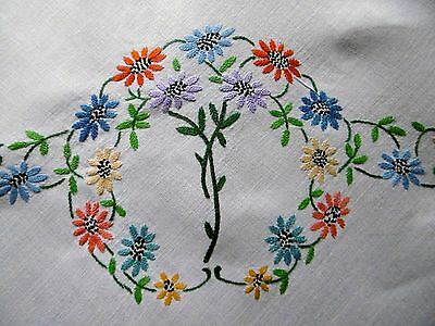 Vintage, Beautiful Hand Embroidered Tablecloth Linen, Daisies