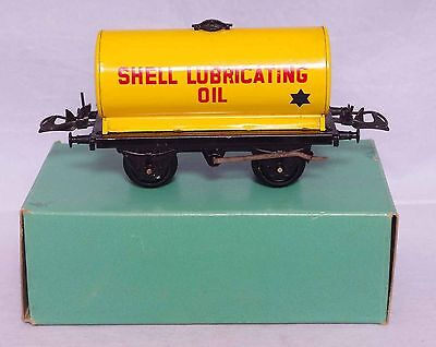 Hornby Trains 0 Gauge No.50 Tank Wagon Shell Lubricating Oil - boxed
