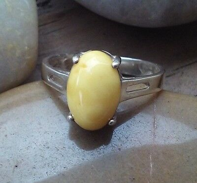 VINTAGE STERLING SILVER EGG YOLK BUTTERSCOTCH BALTIC AMBER RING 3g sz.8
