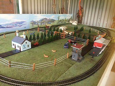 Ho Gauge Train track size 6ftx3ft complete with controller