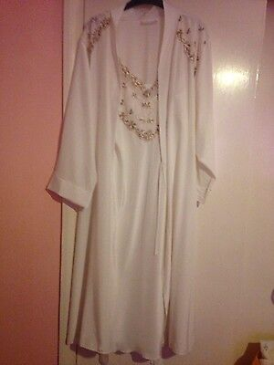 Ladies Camille Size 14-16 Silk like nightdress and dressing gown set