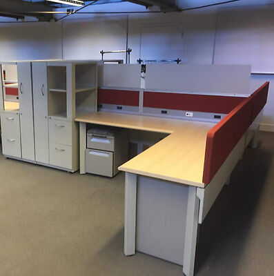 Herman Miller 6'x8′ Cubicles w/ Frosted Glass Panels
