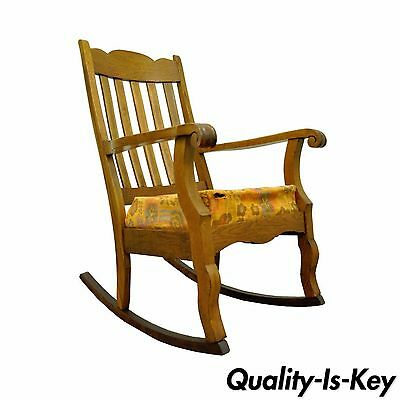Antique Mission Arts & Crafts Carved Solid Oak Rocking Lounge Chair Rocker vtg