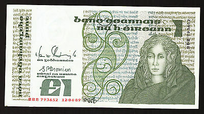 Ireland B Series £1 One Pound note Queen Medb BBB replacement note 1989 UNC