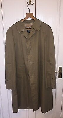 Men's Burberry London Trench Coat Size Large