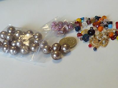 yy23-ASSORTED LOOSE BEADS FROM BROKEN VINTAGE NECKLACES