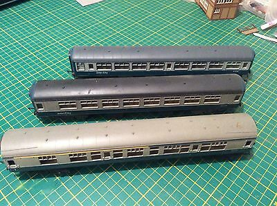 Rake of 3 MKII OO Gauge BR blue intercity coaches