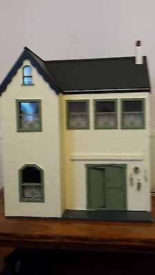 Unique Vintage 1/12 Dolls house