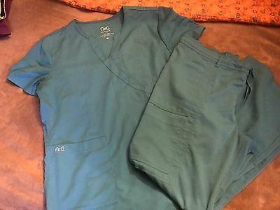 NrG Energy By Barco Women Scrubs Set Top & Pants  Large Petite
