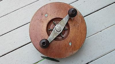 Vintage Alvey 22cm snapper fishing reel