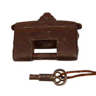 1800S Vintage Rare Old Hand Forged Iron Padlock With Original Round Key 53