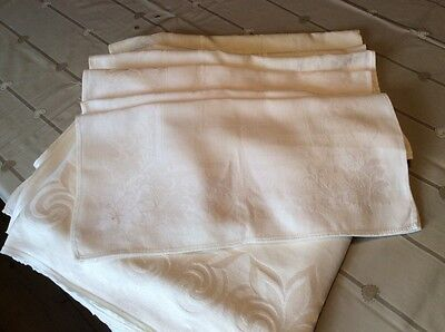 white table cloth and napkins x8