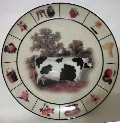 "Vintage BARNYARD Collection COW Collectors Plate  Black & White Farm Scene 8"" EC"