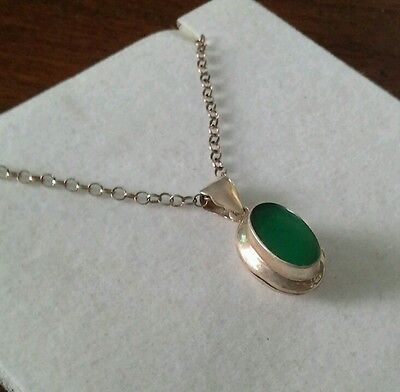 """925 silver and green stone locket with 18"""" silver belcher chain - 6.2g"""