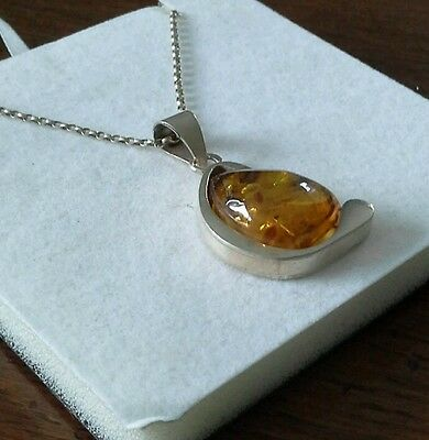 """925 silver and amber  pendant + 18""""  silver chain 10.2g"""