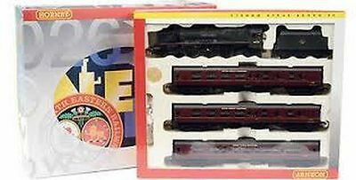 Hornby R2176 'THE LAKES EXPRESS' Train Pack - mint