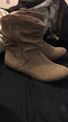Asda Size 8 Flat Cowgirl Style Slouch Boots Faux Suede Style Brand New