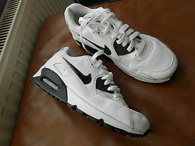 Nike Air Max 90 Essential Running Trainers Uk Size 6 -Hardly Worn