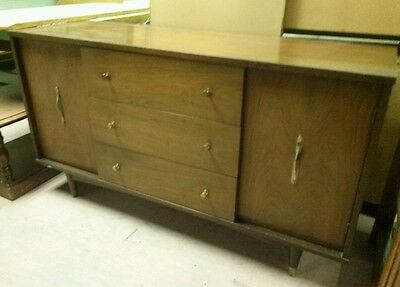 Vintage Mid Century Danish Modern Walnut Credenza Buffet Sideboard Server Bar EC