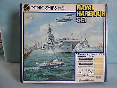 Hornby Minic Ships 1:1200 Scale Diecast M906 Naval Harbour Set
