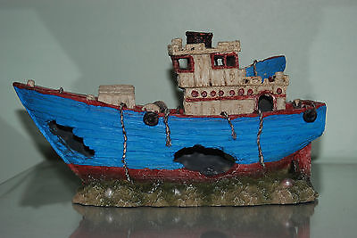 Stunning Aquarium Detailed Blue Sea Trawler Boat 29 x 11 x 17.5 cms