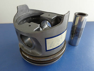 Mercedes Benz 450SE 450SEL 450SLC piston ring V8 M117 OEM NOS Mahle 1170304317
