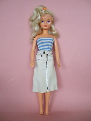 HTF Lovely Vintage Sindy doll 1980's with original Sindy outfit