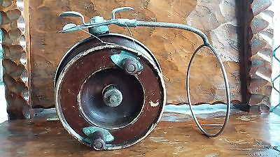 Vintage Alvey 5inch fishing reel