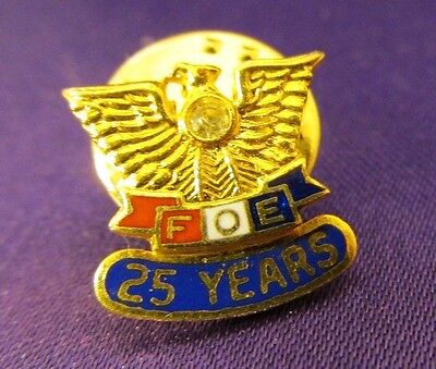 Fraternal Order of Eagles FOE 25 Year Lapel Pin Gold Toned Faux Diamond Chip
