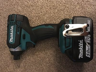 MAKITA 18V LXT DTD152 IMPACT DRIVER AND BL1850 BATTERY 5.0Ah