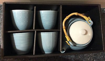 Casauno Teapot with four cups Set