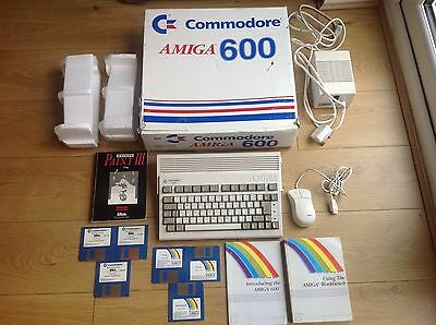 Stunning Commodore Amiga 600 NO YELLOWING Boxed A600 Working Retro Christmas