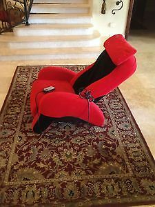 Humantouch iJoy 100 Massage Chair Recliner