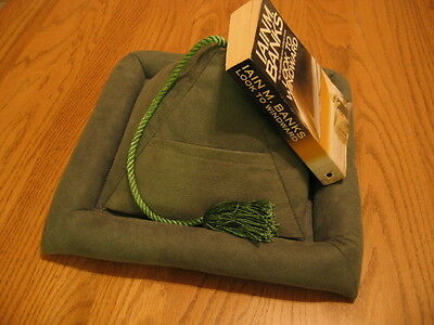 PEERAMID Square Bookrest for Confortable Reading Sage Green