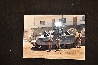 EARLY OPERATION IRAQI FREEDOM 1st ARMORED DIVISION PHOTO - SOLDIERS WITH BRADLEY