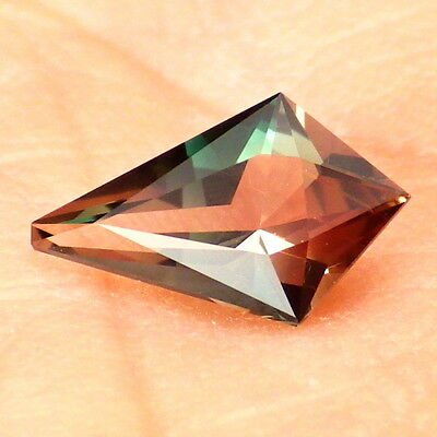 """BLUE-TEAL-PINK """"MYSTIQUE"""" OREGON SUNSTONE 0.77Ct FLAWLESS-SMALL-VERY RARE COLOR!"""