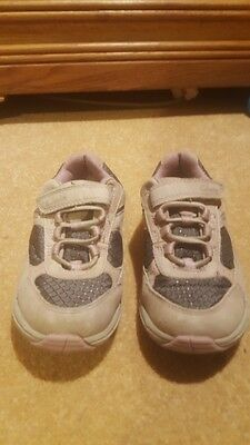 CLARKS trainers girls or boys CHILDS  unisex SIZE 11G