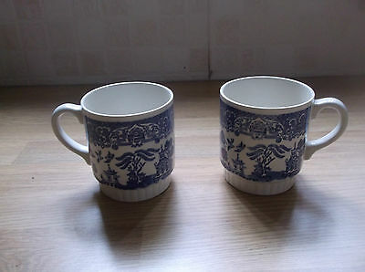 Vintage E I T Pair Mugs   Blue & White  Willow Pattern