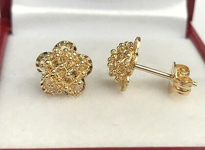 18k Solid Yellow Gold Stud Flower Earrings, Diamond Cut 2.23Grams