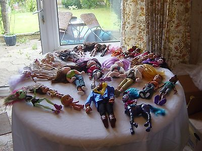 Bratz Dolls !  Mixed Bunch ! With Accessories !  Lots Of Dolls !