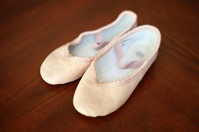 Little girl's all leather ballet dance shoes nude skin beige toddler 10(8.5) EUC